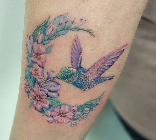 Full color kolibri tattoo